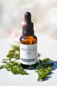 essential oils and apple cider vinegar toner