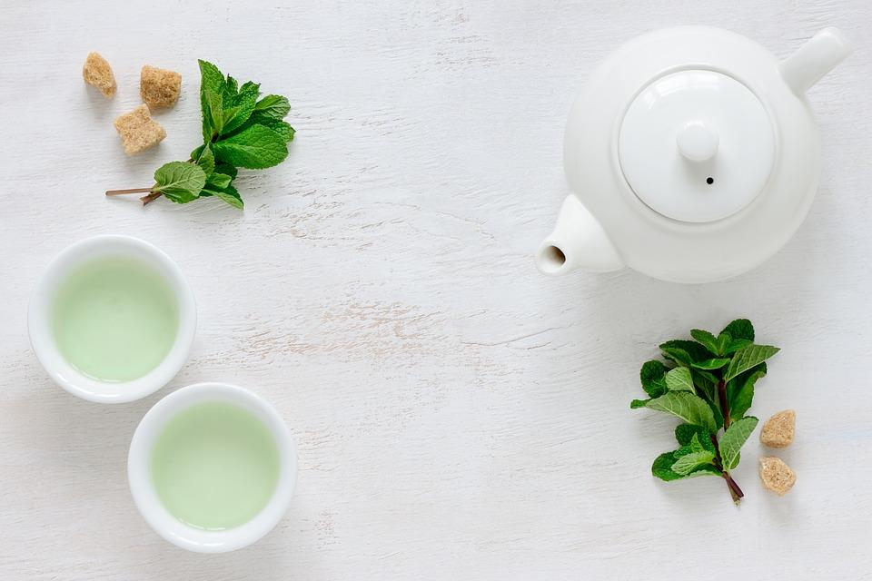 green tea and apple cider vinegar toner